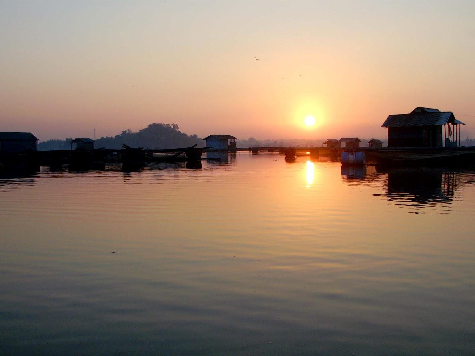 Hasil gambar untuk pasuruan Danau Ranu Grati